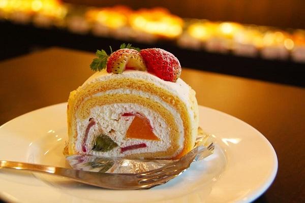 Z jakiego materiału wybrać łopatki do nakładania ciasta?